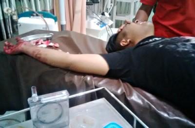 Burhanudin saat dirawat di RSUD Bima. Foto: Bin