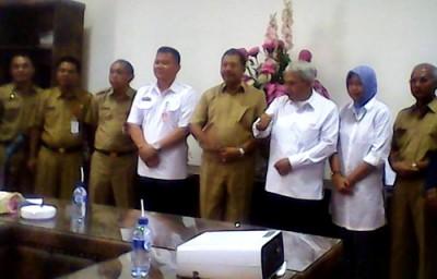 Foto bersama Walikota Bima dan Gubernur IPDN. Foto: Hum