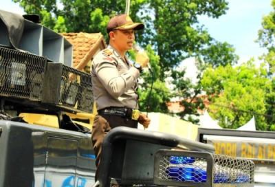 Kapolres Bima Kota, AKBP. Ahmad Nurman Ismail SIK saat memberi penjelasan soal penanganan kasus Rhoma Irama. Foto: Deno