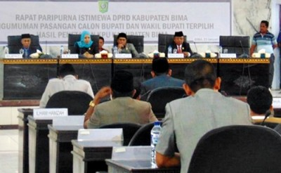 Paripurna Istimewa Pengumuman Pasangan Calon  Bupati dan Wakil Bupati Bupati Bima terpilih hasil penetapan KPU. Foto: Ady