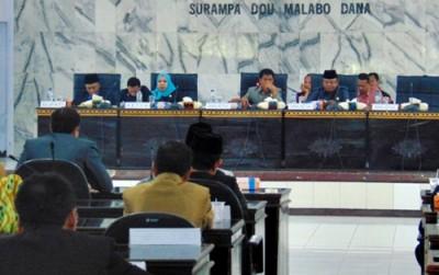 Paripurna penyampaian hasil Monev dan pembentukan Pansus DPRD Kabupaten Bima. Foto: Ady