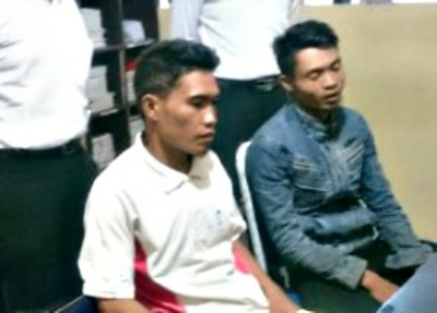 Pelaku pembacokan Rhoma Irama saat diamankan di Polres Bima Kota.