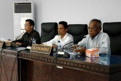 Pimpinan DPRD Kota Bima saat rapat Banmus. Foto: Bin