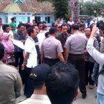 Tidak Terima Lurah Sarae Dirotasi, Warga 'Serang' Kantor Walikota