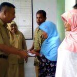 Wawali Bima Serahkan Santunan Kematian di Dua Kelurahan