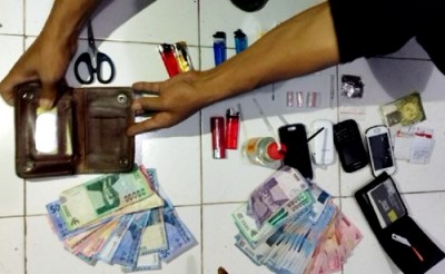 Barang bukti hasil penangkapan bandar dan kurir. Foto: Deno
