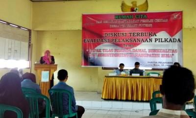 Dialog Terbuka dan Focus Group Discution (FGD) di Aula Kantor Camat Woha. Foto: Ady