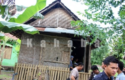 Kondisi rumah tiga remaja idap penyakit polio. Foto: Deno