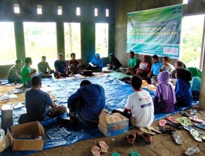 Lakpesdam NU bersama warga Oi Bura. Foto: Ady