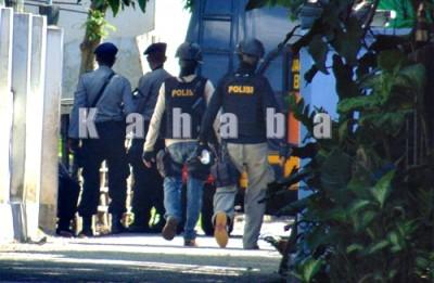 Penyergapan terduga Teroris Densus di Penatoi. Foto: Ady