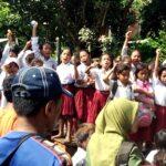 Siswa SD Ngali Boikot Jalan