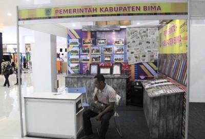 Stand Pemkab Bima di Pameran HPN. Foto: Ady