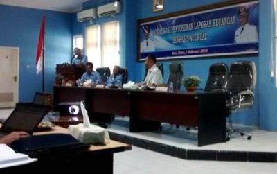 Wawali saat memberikan sambutan pada Sosialisasi Penyusunan Laporan Keuangan Berbasis Akrual. Foto: Hum