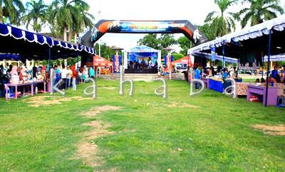 Bazar STIE Bima di Lapangan Serasuba. Foto: Bin
