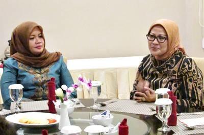 Bupati Bima saat pertemuan dengan Ibu Dirjen. Foto: Hum