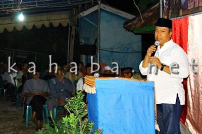 H. Sutarman saat silahturahim di Kampung Sigi Kelurahan Paruga. Foto: Bin