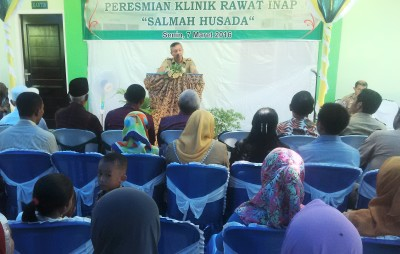 Wakil Walikota Bima memberikan sambutam saat peresmian Klinik Salmah Husada. Foto: Bin