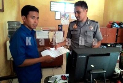 Ketua Umum HMI Bima saat melapor di kantor Polres Bima Kota. Foto: Ady