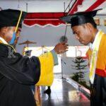 220 Mahasiswa STKIP Bima Diwisuda