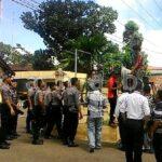 Polisi Bubar Paksa Demo Kasus Fiberglass