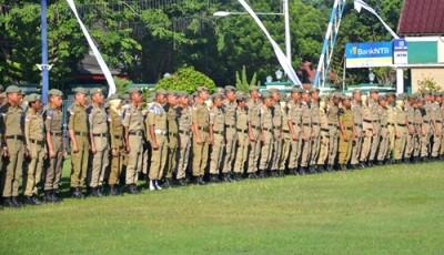 Praja IPDN Kampus NTB saat upacara penerimaan di Halama Kantor Pemkot Bima. Foto: Hum