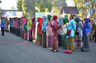 ASN Perempuan mengenakan Kebaya di Hari Kartini. Foto: Hum