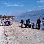 BJJ Bersama Sejumlah Komunitas Bersihkan Pantai Kalaki