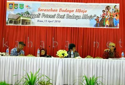 Budayawan dan Sejarawan saat Sarasehan Budaya Mbojo. Foto: Deno