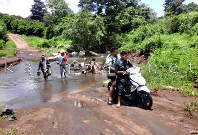 Jalur Ekonomi yang rencananya dibangun Jembatan di Desa Oi Bura Tambora. Foto: Ady