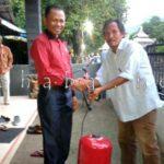 Nazamudin Bantu Pompa Air untuk Warga Kodo
