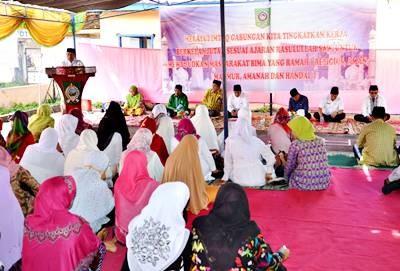 Sekda Kabupaten Bima saat memberikan arahan pada Imtaq Gabungan. Foto: Hum