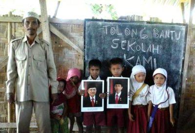 Siswa dan Guru Dusun So Nao Desa Punti Kecamatan Soromandi. Foto: Facebook Mikael Jecko Ithong