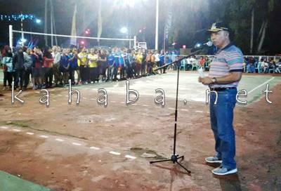Wakil Walikota Bima saat memberikan sambutan pada pembukaan Kejuaraan Voli. Foto: Bin