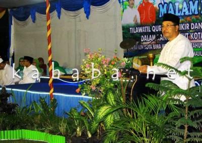 Walikota Bima HM. Qurais saat memberikan sambutan pada acara Haflah Al Quran. Foto: Bin