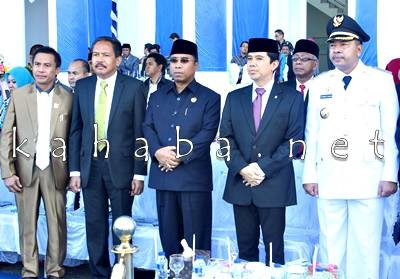 Walikota Bima bersama Menpan RB, Wakil Guibernur dan Ketua DPRD Kota Bima. Foto: Bin