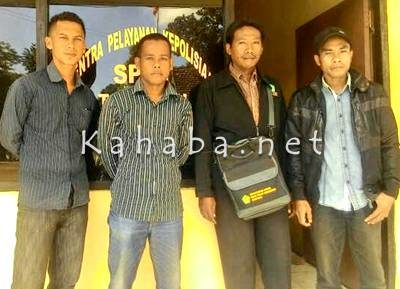 Anggota APM saat mendatangi kantor Polres Bima Kota. Foto: Deno