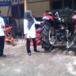 Dispertanak Dapat Bantuan Traktor Mini dan Mobil Pendingin
