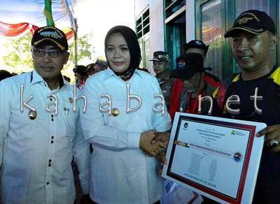 Bupati dan Wakil Bupati Bima saat menyambut Tim Ekspedisi Bhakti PMK di Bajo Pulau. Foto: Noval