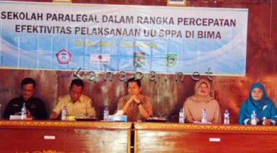 Pembukaan Sekolah Paralegal yang digelar LPA di Aula Kantor Pemkab Bima, Selasa (10/5) pagi. Foto ; Ady