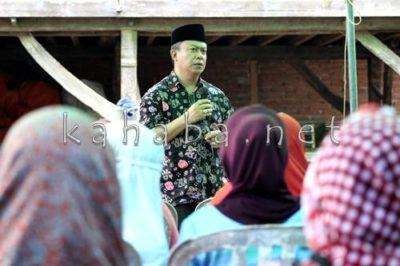 H. Sutarman saat sosialisasi di Kelurahan Oi Fo'o. Foto: Bin