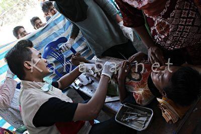 Khitan gratis BSMI di Desa Sampungu. Foto: Bin