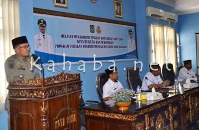 Sekretaris panitia Syarif Rustaman saat memberikan sambutan penutupan MTQ Korpri. Foto: Eric