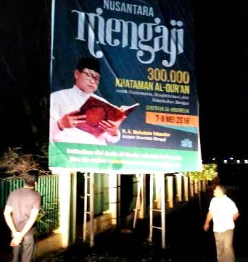 Spanduk Nusantara Mengaji dipasang di Kota Bima. Foto: Bin