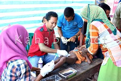 Sunatan Massal di Desa Sampungu. Foto: Bin