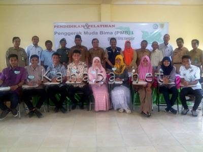 Tenaga muda pengajar Kabupaten Bima. Foto: Eric