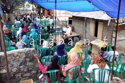 Warga Kelurahan Rontu saat menghadiri silahturahim H. Sutarman. Foto: Ady