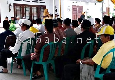 Seluruh Kader Partai Golkar saat buka puasa bersama di Pandopo Bupati Bima. Foto: Noval