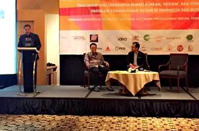 Walikota Bima saat jadi pembicara Lokakarya Program Kemanusiaan OXFAM. Foto: Hum