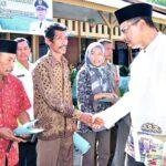 Walikota Bima Serahkan Bantuan Mesin Pertanian