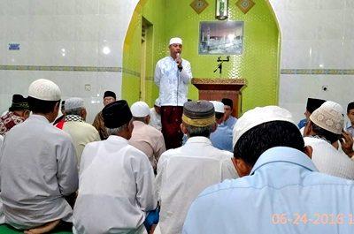 Wawali Bima H. Arahman H. Abidin saat menyampaikan sambutan pada Safari Ramadan. Foto: Hum
